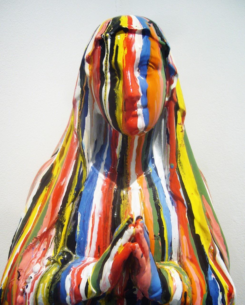sculpture peinture vierge pisseuse